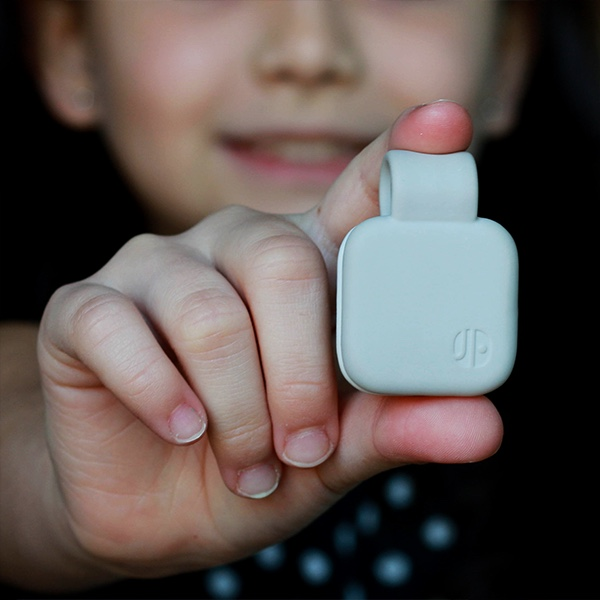 Clip on wearable for kids that last longer than any other wearables in the category