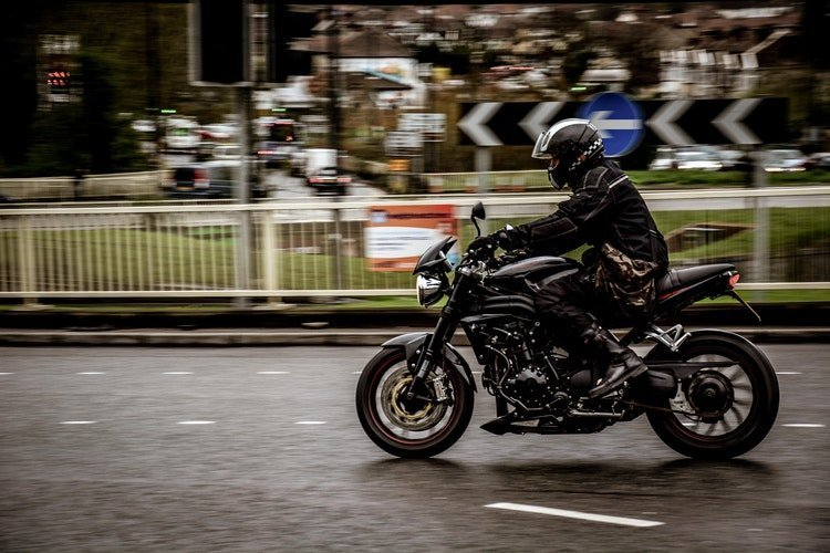 Bluetooth Headsets for Motorcycle Riders