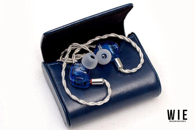 Thieaudio Legacy 2 in leather case